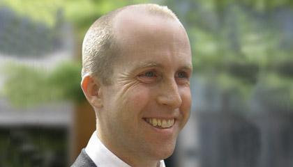 Dr Peter McLean
