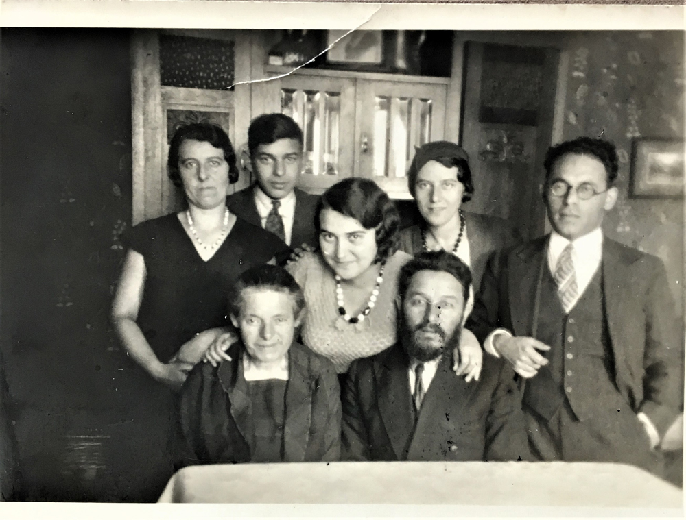 Leo Fink and Mina Waks celebrate their engagement with Leo's parents Bialystok 1932