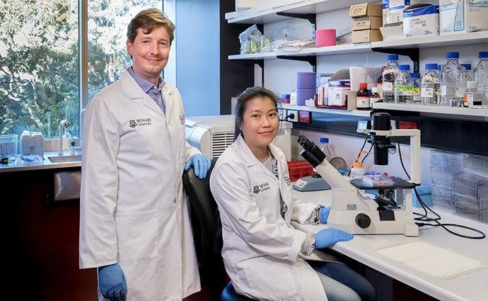 Dr Robin Hobbs and PhD student Mai La.