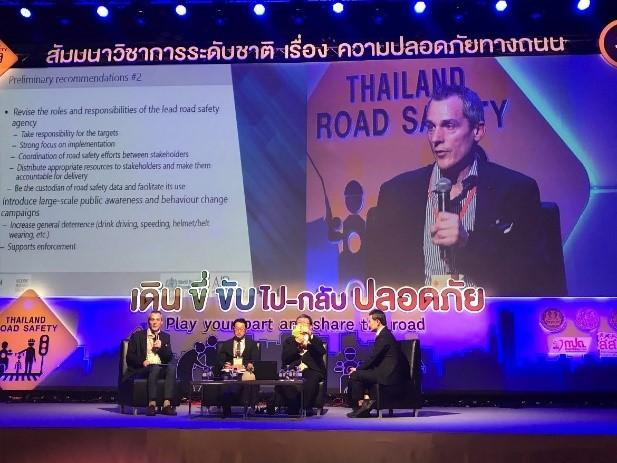 David Logan presenting in Thailand