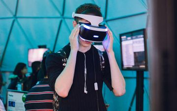 Student wearing virtual reality headset