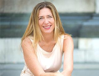 Dr Cecilia Hewlett