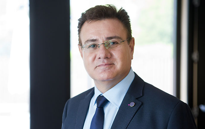 Farzad Sharifian