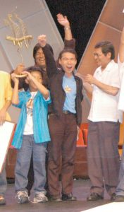 winning-moment-when-pepot-artista-pepot-superstar-was-declared-best-picture-during-the-2005-cinemalaya-independent-film-festival-176x300.jpg