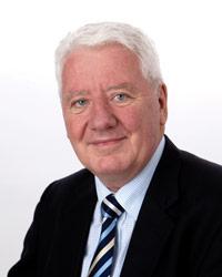 Mr Eric Howard AM