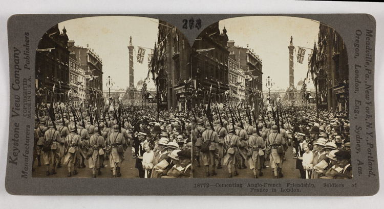 Cementing Anglo-French friendship, soldiers of France in London