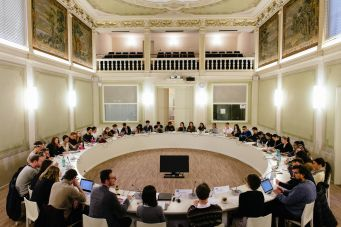 Meeting in a circle table
