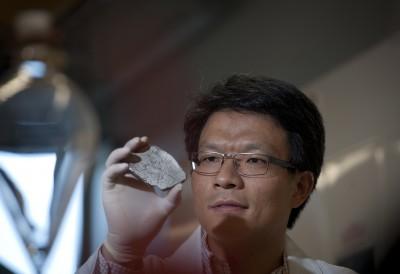 Professor Dan Li