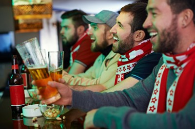 Researchers have found sportspeople receiving alcohol sponsorship consumed more and had higher odds of hazardous drinking. Photo: iStock