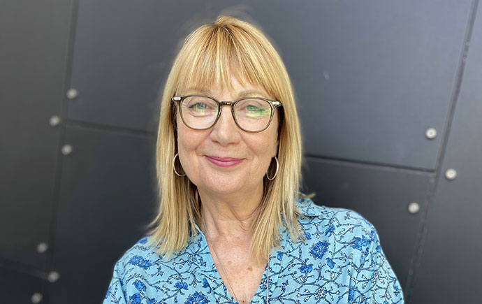 Dr Julie Roberts