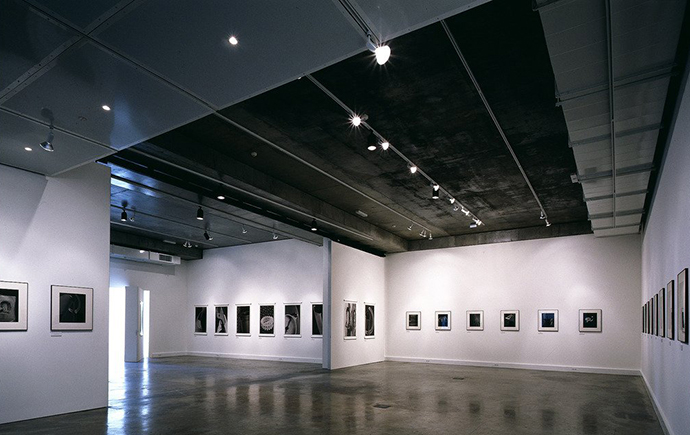 exhibitions-1999-Photographier-lobject-an-exhibition-of-photography-by-Marc-Guillaumot