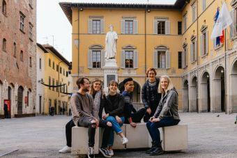Students Comune square