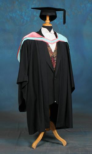 Bachelor level academic dress