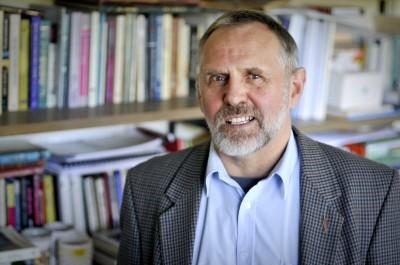 Dr Chris Laming