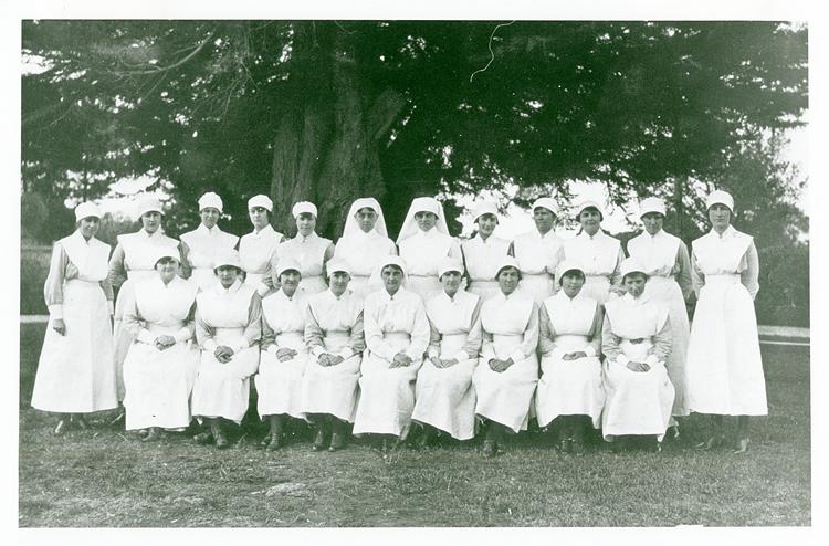 Staff of Gippsland Hospital, Sale, 1922