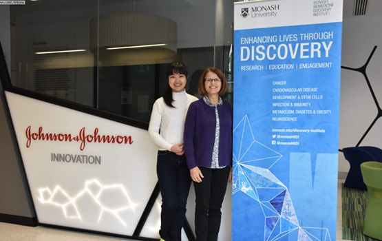 First authors on the Science Immunology paper Dr Jia Jia Lim (L) and Dr Claerwen Jones(R). The findings were the result of a seven-year collaboration led by Monash University, involving Janssen Biotech, Inc., Janssen Cilag Pty Ltd., Janssen Research & Development, LLC and the Karolinska Institute, Sweden.