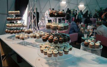 Cupcake stand display