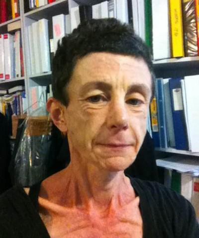 Dr Alice de Jonge
