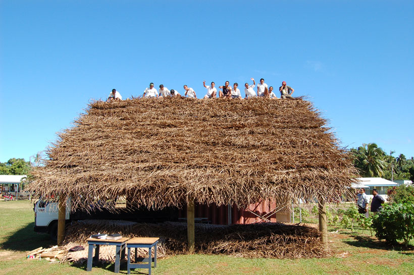 Building an outdoor classroom hut in the Cook Islands