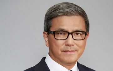 Mr David Li AM
