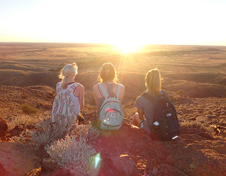 Backpacking through Alice Springs in the Australian red centre.